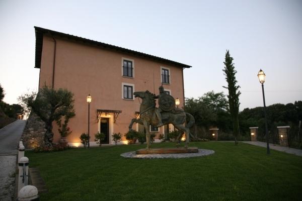 http://www.hotelschooluniversity.it/wp-content/uploads/2017/04/Hsu_Castrum_boccea-8-600x400.jpg